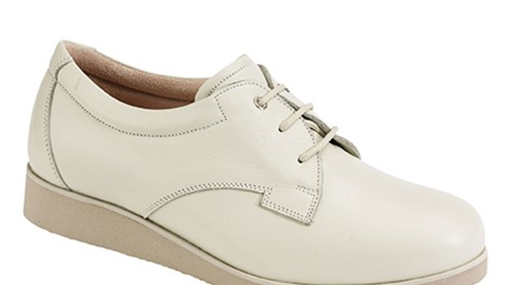 3330.1200 Piedro Ladies Diabetic Shoes Cream Leather Lace.jpg