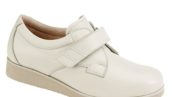 3335.1200 Piedro Ladies Diabetic Shoes Cream Leather Velcro.jpg