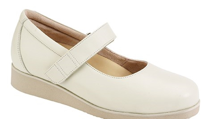 3370.1200 Piedro Ladies Diabetic Shoes Cream Leather Velcro.jpg